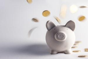 Die Beitragsfreistellung ist eine Möglichkeit, Kosten kurzfristig zu reduzieren.