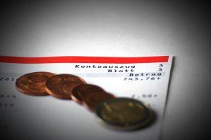 Der Versicherte kann sich die Kapitallebensversicherung auszahlen lassen: Bei Kündigung oder nach Vertragsende.