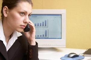Bei Fragen zur Kündigung der Kapitallebensversicherung kann ein Versicherungsexperte helfen.