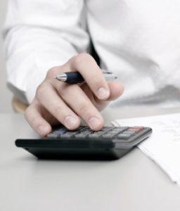 Die Kündigung von Lebensversicherungen sollte vorher durchgerechnet werden.