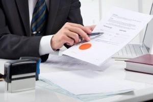 Auch die Kündigungsfrist für eine Risikolebensversicherung sind im Vertrag benannt.