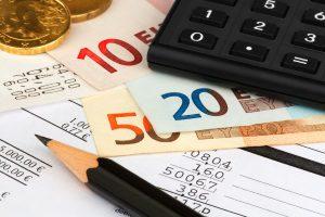 Lebensversicherung: Eine Auszahlung kann auf verschiedenen Wegen erfolgen.