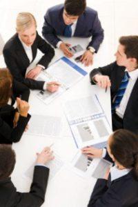 Risikolebensversicherung kündigen: Voraussetzungen hierfür sollten im Vertrag festgeschrieben sein.