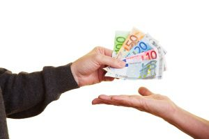 Eine vorzeitige Auszahlung der Lebensversicherung hat oft Nachteile.